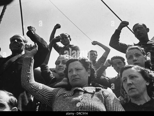 Harbour workers WWII - Stock-Bilder