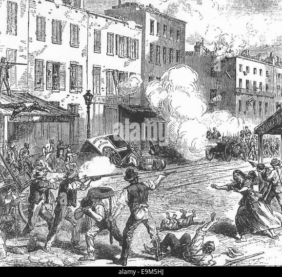 New York Draft Riots - fighting Rioters and Federal troops, 1863 - Stock Image