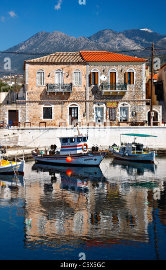 Partial view of the small harbor of Aghios Nikolaos (or 'Selinitsa') village in Western ('Messenian') - Stock Image