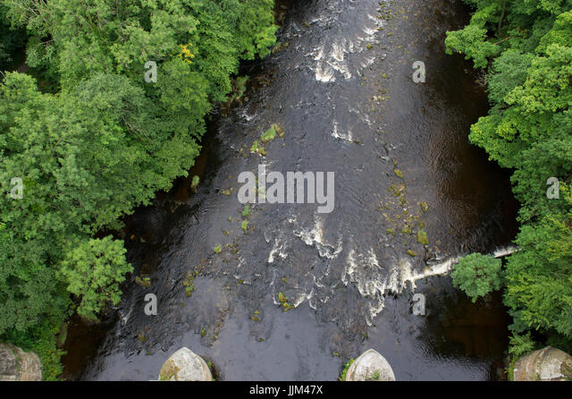 The view of the Welsh landscape and the river Dee from the Pontcysyllte Aqueduct between Trevor and Llangollen in - Stock Image