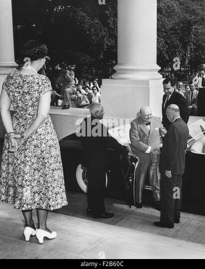 President Eisenhower welcomes Prime Minister Winston Churchill of Britain at the White House. First Lady Mamie Eisenhower - Stock Image