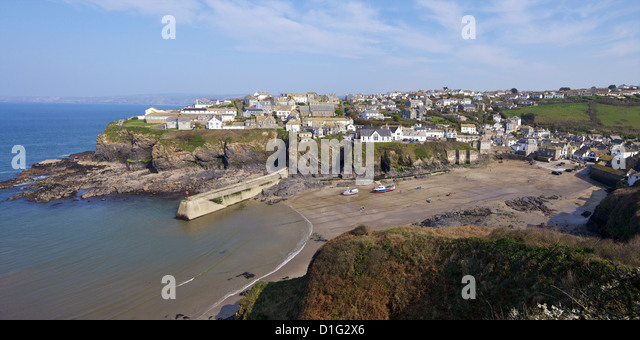 Panoramic photo of old harbour in Port Isaac in spring sunshine, Cornwall, England, United Kingdom, Europe - Stock Image