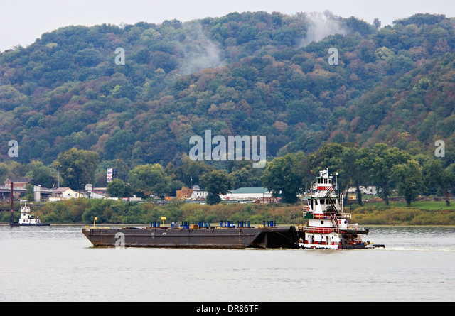 Barge Traffic Stock Photos Amp Barge Traffic Stock Images
