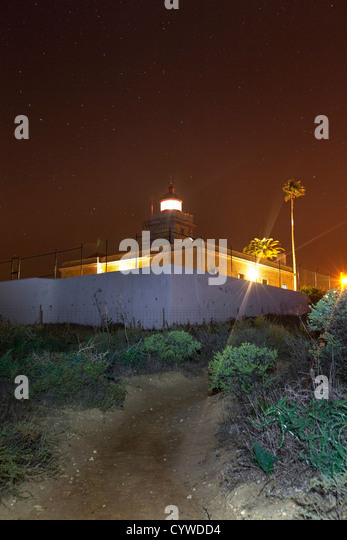 Lagos lighthouse captured at night, Portugal. - Stock-Bilder