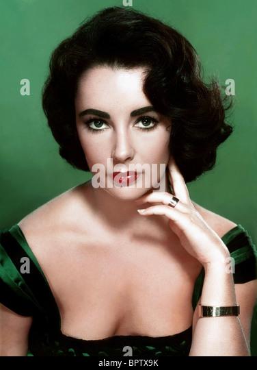 ELIZABETH TAYLOR ACTRESS (1953) - Stock-Bilder