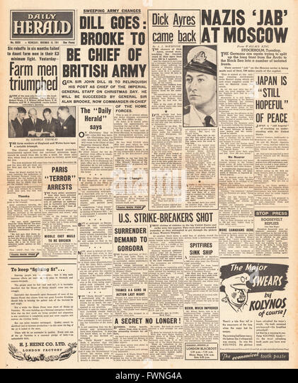 1941 front page Daily Herald Re-shuffle in high command of the British Army and Battle for Moscow - Stock Image