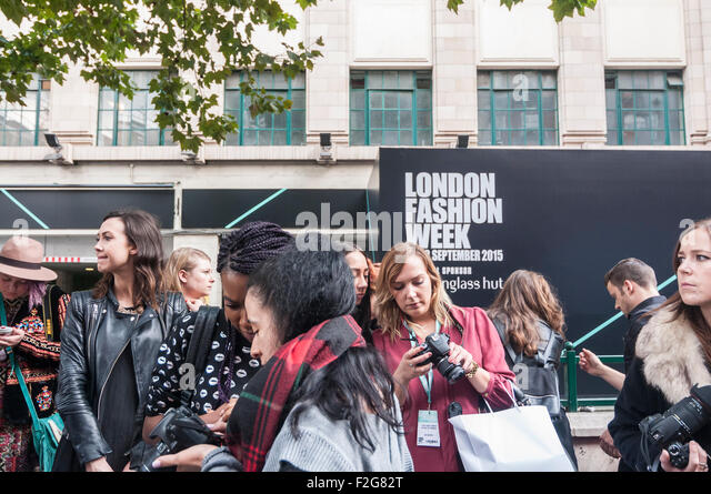 London, UK. 18 September 2015.  Fashionistas and followers of fashion gather at the new venue of Brewer Street Car - Stock Image