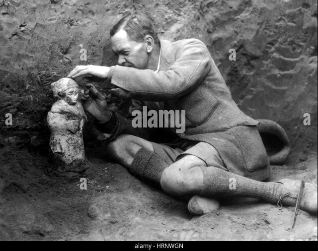 Leonard Woolley at Ur, English Archeologist - Stock Image