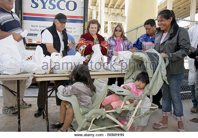 Miami Florida Little Havana Jose Marti Park Thanksgiving Turkey Giveaway give-away give away Miccosukee donated - Stock Image