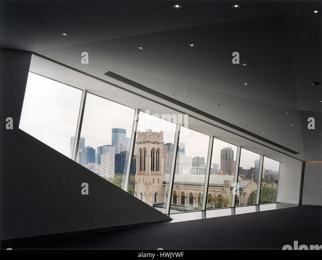 Upper floor window overlooking the city centre. Walker Art Center, Minneapolis, United States. Architect: Herzog - Stock-Bilder