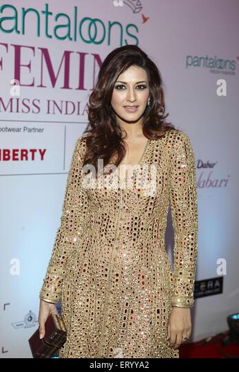 Indian bollywood actress sonali bendre - Stock-Bilder