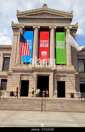Boston Massachusetts Huntington Avenue Museum of Fine Arts front entrance exterior - Stock Image
