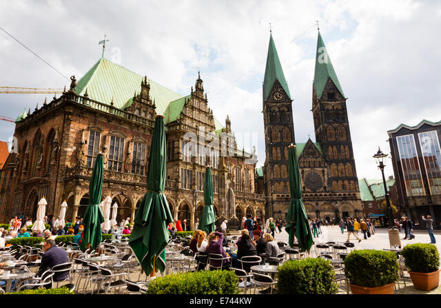 Bremen Alt Stadt Markt place with Rathaus and Dom of St Petri - Stock Image