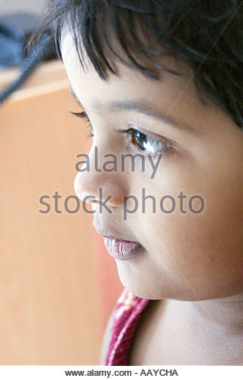 TNK78772 Indian small girl child looking innocently India   Model Released Number 656 - Stock-Bilder