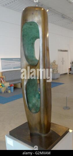 Figure Walnut 1964 sculpture in Bronze, by Barbara Hepworth 1903-1975 - Stock Image