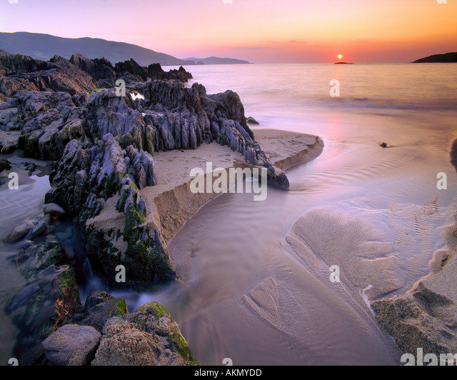 IE - CO.CORK: Sunset over Allihies Bay - Stock Image