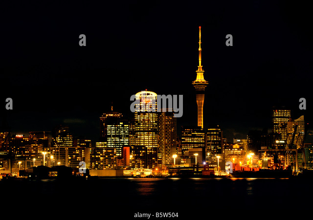 AUCKLAND HARBOUR AT NIGHT SHOT FROM THE DEVONPORT SHORE - Stock Image