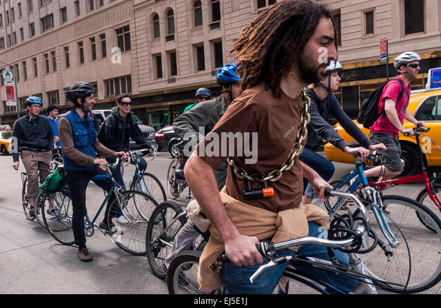 New York, NY 21 April 2008 - Members of the Environmental Advocacy group, Times-Up, Earth Day bicycle ride through - Stock Image