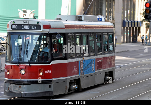 Toronto Street Car headed to the EX (Exhibition) 2009. - Stock Image
