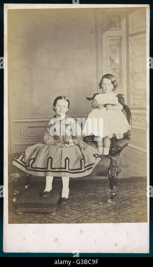 Two sisters pose for  their photograph.        Date: circa 1850s - Stock-Bilder