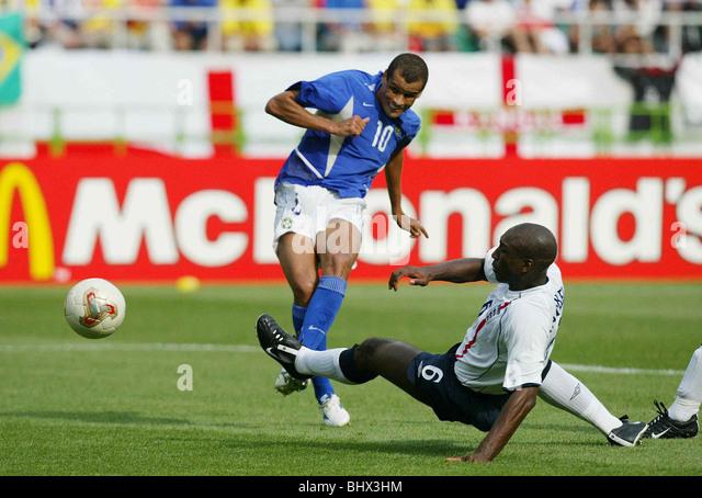 Football June 2002 FIFA World Cup Korea/Japan England v Brazil- Shizouka Stadium-Shizouka-Japan Rivaldo scores the - Stock-Bilder