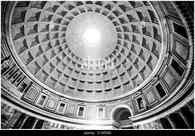 The Pantheon Dome, showing the Ocululus, the only source of natural light. Rome, Italy - Stock Image