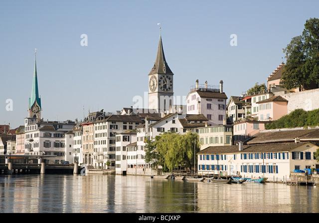 Architecture and the river limmat in zurich - Stock-Bilder