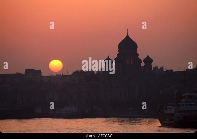 Russia former Soviet Union St. Petersburg Neva River sunset view from Lieutenant Schmidt Bridge - Stock Image