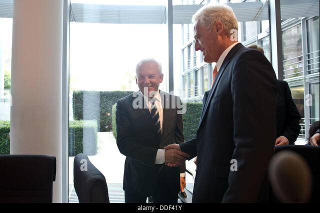 Berlin, Germany. 02nd Sep, 2013. German Transport Minister Peter Ramsauer (CSU, R) and the chairman of the Deutsche - Stock Image