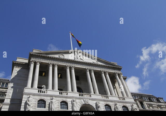 Gay Pride in London 2016. The Bank of England flying LGBT  rainbow flag over its building for the first time next - Stock-Bilder