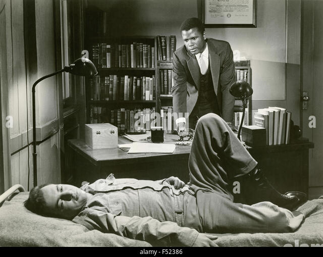 The actors Sidney Poitier and Bobby Darin in a scene from the film ' Pressure Point ' - Stock Image
