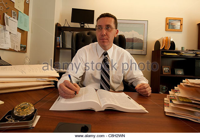lawyers at desk - photo #41