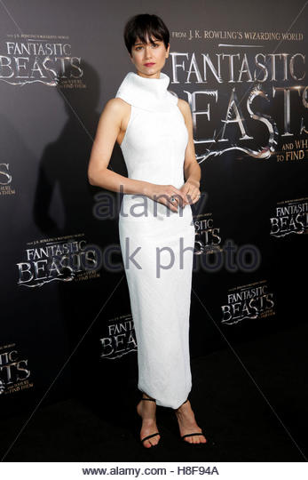 Actor Katherine Waterston attends the premiere of ?Fantastic Beasts and Where to Find Them? in Manhattan, New York, - Stock-Bilder
