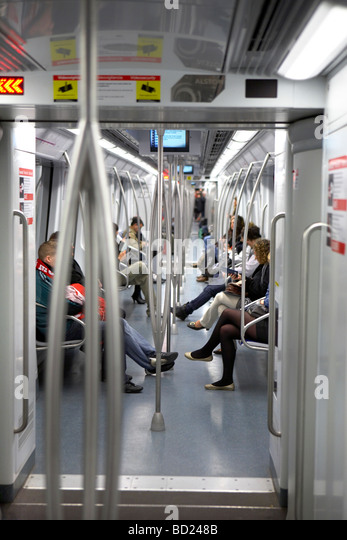 Carriage by rail stock photos carriage by rail stock images alamy - Carrage metro ...