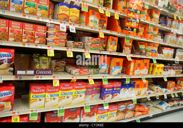 Maine Portland Scarborough Shaw's grocery store supermarket retail display for sale packaging competing brands - Stock Image
