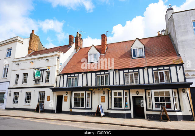The Brave Old Oak Public House Watling Street Towcester Northamptonshire UK - Stock Image