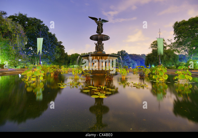 Angels of the Water Fountain at Bethesda Terrace in New York City's Central Park. - Stock Image