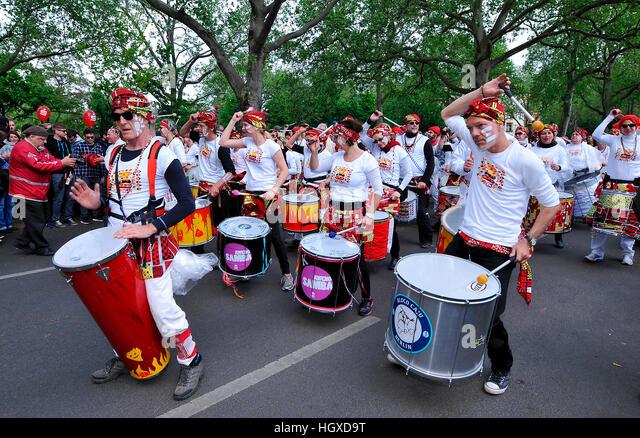Sambaband, Karneval der Kulturen, Kreuzberg, Berlin, Deutschland - Stock-Bilder