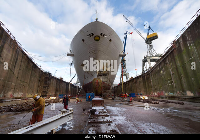 Refit of P&O Cruises Oceana in Blohm-Voss Shipyard in Hamburg, Germany 05-20 December 2012 - Stock Image