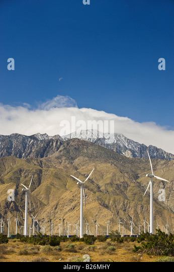 Wind farm in front of mountains, Palm Springs, California, United States - Stock Image