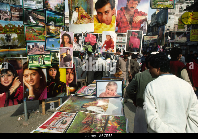 Suddar stock photos suddar stock images alamy for Bano bazar anarkali lahore
