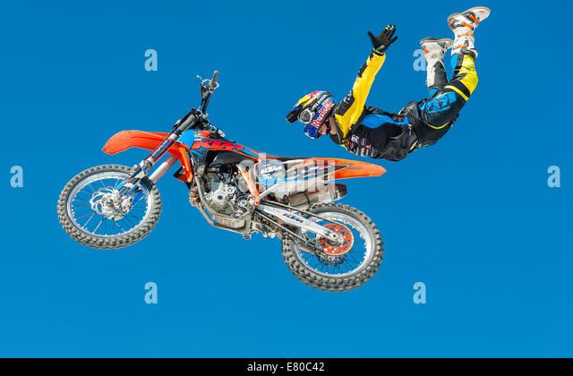 Zurich, Switzerland. 27th Sep, 2014. Luc Ackermann (GER) shows spectacular FMX jumps at the 20th anniversary of - Stock-Bilder