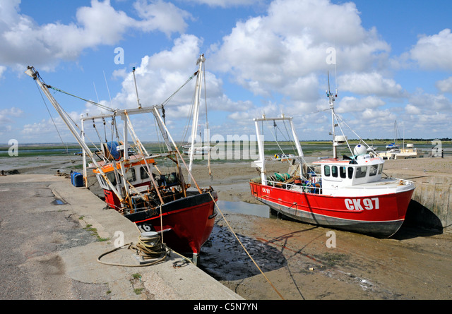 Fishing boats and the Thames Estuary at Leigh on Sea Essex - Stock Image