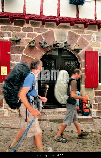 Albergue stock photos albergue stock images alamy - Hostel st jean pied de port ...