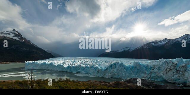 Afternoon light on the Perito Moreno Glacier, Los Glaciares National Park, UNESCO Site, Patagonia, Argentina - Stock Image