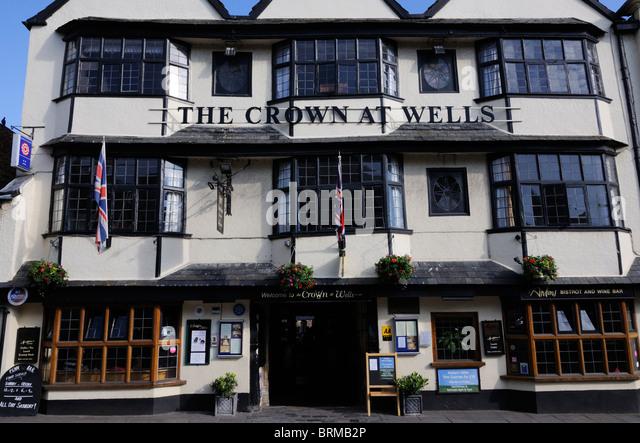 crown wells pub hotel stock photos crown wells pub hotel. Black Bedroom Furniture Sets. Home Design Ideas
