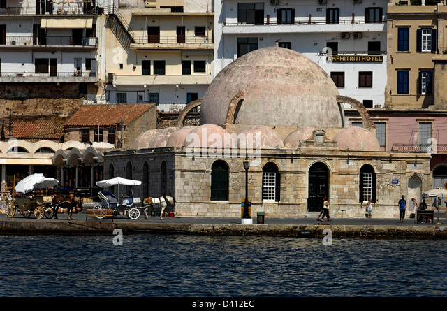 The 17th century Turkish mosque Giali Tzamisi, Chania, Crete - Stock Image