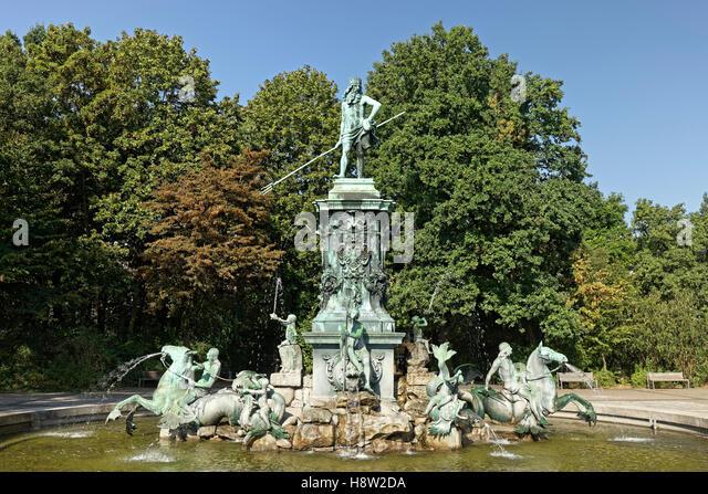 Neptune Fountain, Nuremberg municipal park, Middle Franconia, Franconia, Bavaria, Germany - Stock-Bilder
