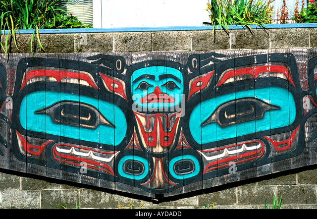 Alaska Juneau Gunkadeit Park Tlingit Lake Monster carving - Stock Image