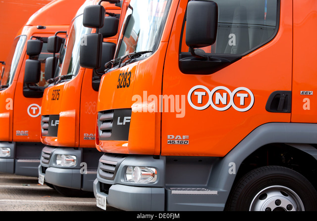 New DAF LF 45.160 Low Emission trucks in the TNT delivery pictured at Lount Parcel Distribution Centre, Leicestershire. - Stock Image